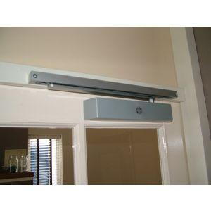 Dictator deurdranger TJSS T46 standaard met glijrail grootte 2-4 6130000 - Y10100027 - afbeelding 2
